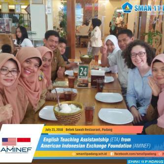 Makan bersama Ms.Sophia Kathleen Lopresti from AMINEF